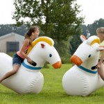 Course de chevaux gonflables